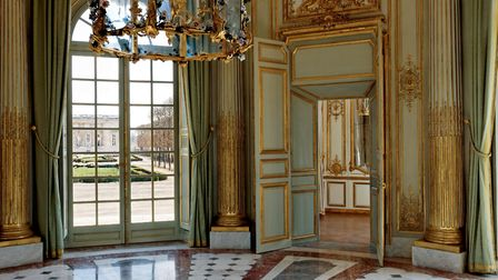 The central salon of the French Pavilion (Photograph by Francis Hammond from Trianon and the Queen's