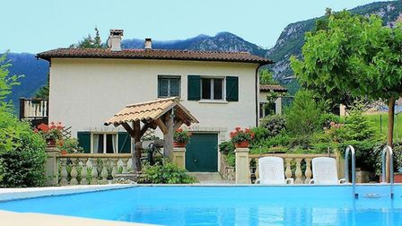 Property in Aude on the market with Beaux Villages