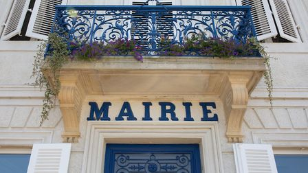 Ask at your mairie if there's a local newsletter (c) OceanProd / Getty Images