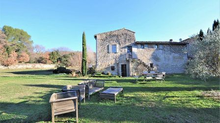 Property in Menerbes on the market with Beaux Villages