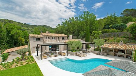 Property in Alpes-Maritimes on the market with Beaux Villages