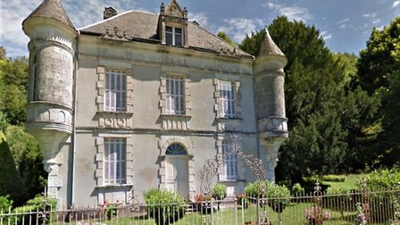 Chateau on the edge of a village in Correze on the sale with Leggett Immobilier