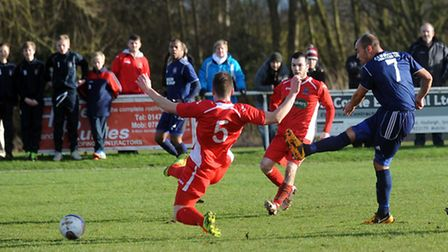 Hadleigh v Wisbech - FA Vase action. Hadleigh's Duane Wright fires in a shot.