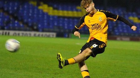 Lewis Simper from Ely made his professional debut for Cambridge United in their EFL Trophy win over Fulham under 21s...