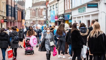 Shoppers rushed to the high street this weekend to stock up on Christmas gifts before the lockdown Picture: SARAH LUCY BROWN