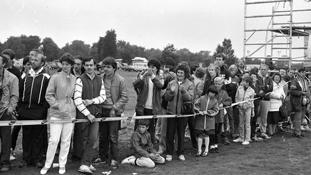Crowds cheering at the Ipswich Marathon, Foxhall in September 1985 Picture: ARCHANT