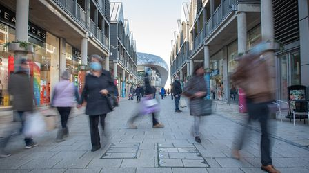 Shoppers headed into Bury St Edmunds on the eve of the second national lockdown on Thursday 5 November. Picture: SARAH...