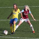 Aileen Whelan of Brighton and Grace Fisk of West Ham during West Ham United Women vs Brighton & Hove