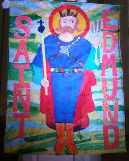 Tollgate Primary School pupils in Bury St Edmunds have made a giant banner of St Edmund that is on d