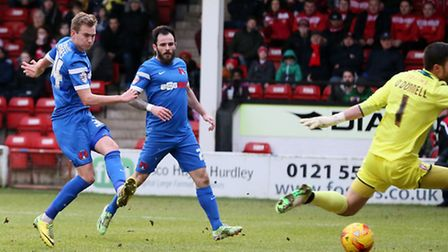 Ryan Hedges scoresfor Leyton Orient at Walsall (pic: Simon O'Connor)