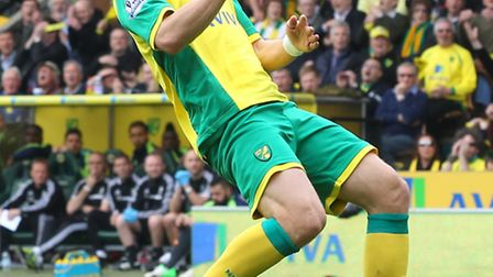 Johan Elmander rues his first-half missed chance during Norwich City's 1-0 Premier League defeat to