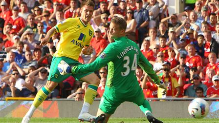 Norwich City midfielder Anthony Pilkington will not feature at Chelsea after suffering a hip injury.