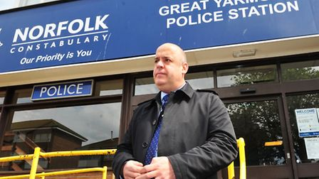 DCI Paul Durham outside Yarmouth Police Station giving details regarding the Hemsby murder.