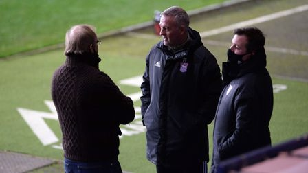 Paul Lambert talks to Lee O'Neill and Marcus Evans before kick-off at Oxford United Picture Pagepix Ltd