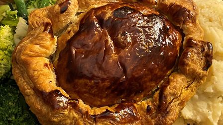 Woolpack review - steak and ale pie