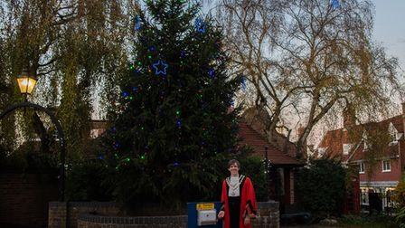 Beccles mayor Ashley Lever switches on the town's Christmas lights for 2020.
