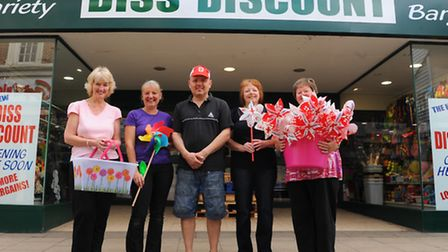 Diss Discount moves to bigger premises in the town. Owner Gary James, Wendy Steggles, Bev Middlebroo