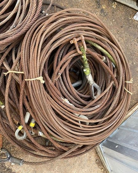 Steel rigging removed from the Albatros