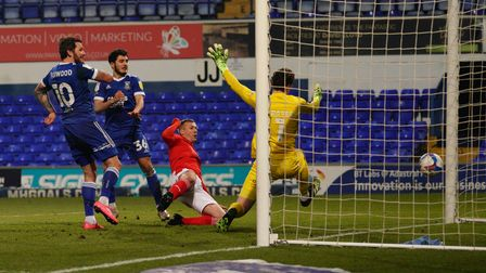 James Norwood levels the score at 1-1.