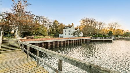 Portishead House has a private mooring forthe River Stour which flows past the property