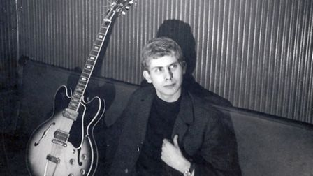Ronnie Dearing with his Gibson ES330 in 1966