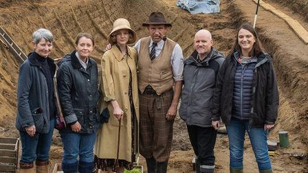 Carey Mulligan and Ralph Fiennes with National Trust staff
