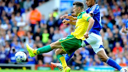 Former Norwich City loanee Antoine Sibierski played a key role in Ipswich Town's move for Kevin Bru,
