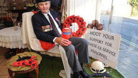 Bunches and bows in Brandon have a live window display to commemorate Remembrance Day.Former Sgt Bri