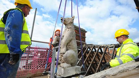 Flashback to March 2014 when the two bears were lifted off their plinths on top of the former Two Be