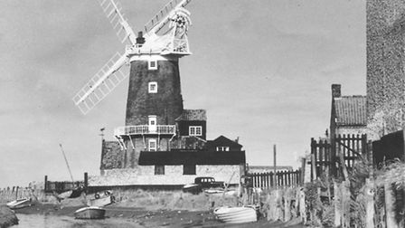 Places - CMills and WindmillsCley Mill.Dated 3 October 1950Photograph C3420
