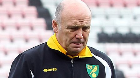 Mike Phelan has left Norwich City by mutual consent.
