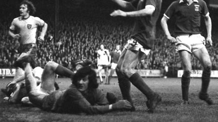 Clive Woods and Trevor Whymark scored both the goals in the second leg of the Texaco Cup final.