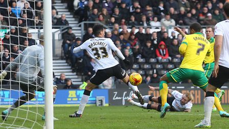 Steven Whittaker slots Norwich City's late equaliser in a 2-2 Championship draw at Derby. Picture by