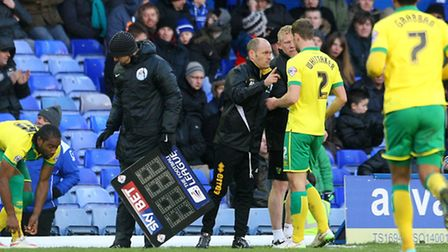 Norwich City manager Alex Neil knows it will take cool heads to triumph in Sunday's Championship der