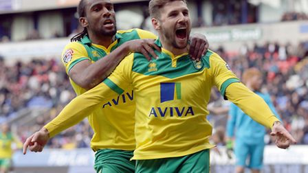 Norwich City's Gary Hooper (Right) celebrates with team-mate Cameron Jerome after he scores the seco