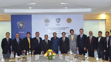 Chairman of DRB-HICOM Group, Dato' Syed Mohamad Syed Murtaza (seventh from left) was present with Bo