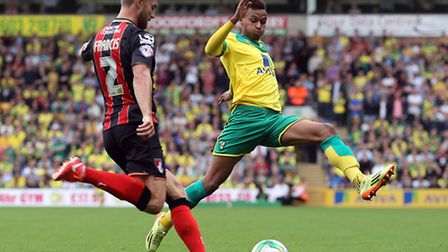 Simon Francis of Bournemouth and Josh Murphy of Norwich in action during the Sky Bet Championship ma