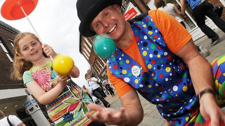CAPTION; Street Entertainment coming to King's Lynn this summer. Pic shows Stevie Spud, with Anna Re
