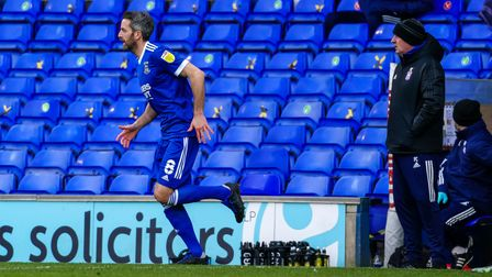 Cole Skuse comes on the pitch as a second half substitute.