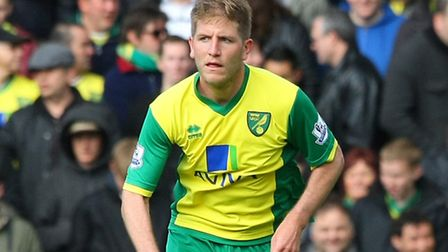 Michael Turner has completed a loan move to Sheffield Wednesday.