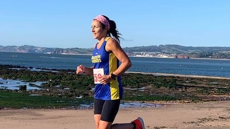 Exmouth Harriers on the run
