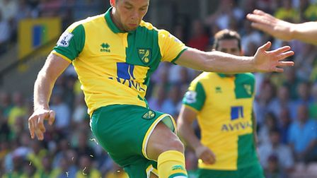 Jonny Howson fires an effort goalwards for Norwich against Palace. Picture: PAUL CHESTERTON/FOCUS IM