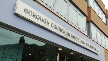 West Norfolk council has deferred plans for a Lynn development after councillors were not given enough time to examine them.
