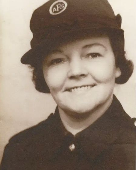 Winifred Peters, 1902-41, killed the night Old Palace School was hit in German air raid