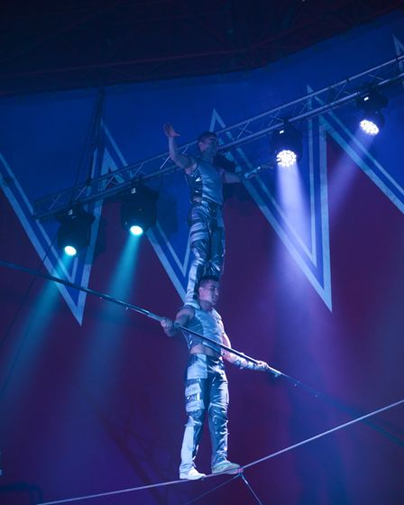 Tight rope walkers from Continental Circus Berlin