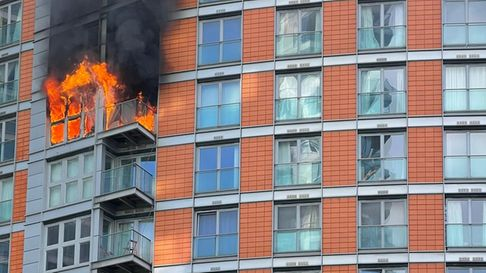 The blaze when it broke out on 8th floor of New Providence Wharf before it spread to the 8th and 9th floors