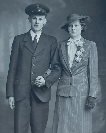 Joan and Don on their wedding day in 1942