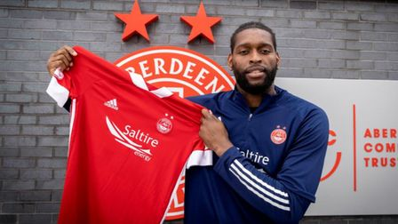 Former Ipswich Town forward Jay Emmanuel-Thomas has signed for Aberdeen