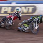 Dan Bewley goes round the outside of Cameron Heeps in heat 12