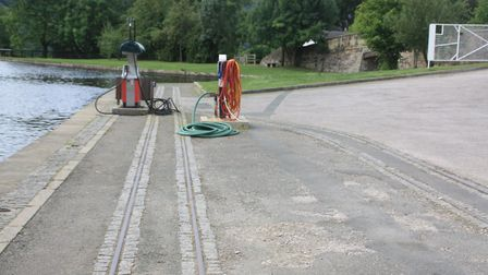 Llangollen Canal: are these rails on the wharf at Trevor original?